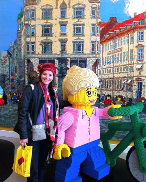 giant-lego-girl